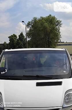 Легковий фургон (до 1,5т) Renault Trafic пасс. 2005 в Самборі
