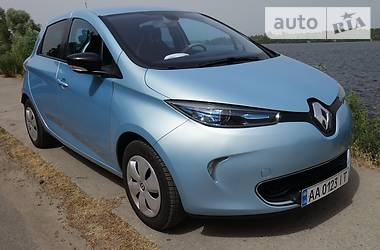 Хэтчбек Renault Zoe 2015 в Киеве