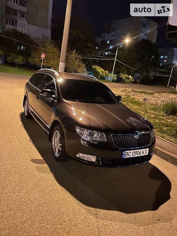 Универсал Skoda Superb 2011 в Львове