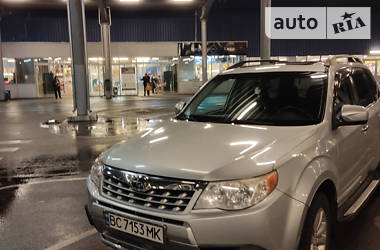 Внедорожник / Кроссовер Subaru Forester 2011 в Львове