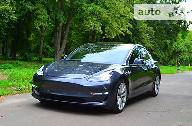 Tesla Model 3 Dual Motor Long Range 2018 в Ровно