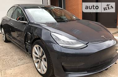 Tesla Model 3 Dual Motor Long Range 2018 в Кривом Роге