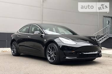 Tesla Model 3 Dual Motor Long Range 2018 в Киеве