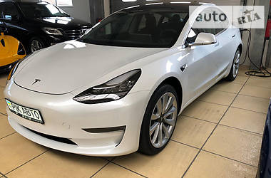 Tesla Model 3 Long Range 2019 в Киеве