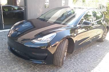 Tesla Model 3 Standard Range 2018 в Киеве