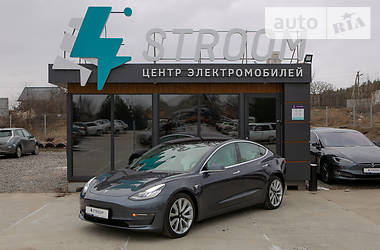 Седан Tesla Model 3 2018 в Харькове
