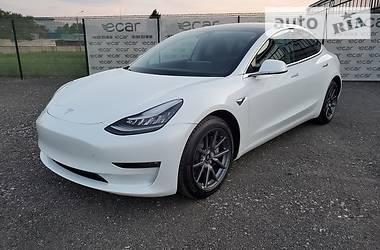 Седан Tesla Model 3 2020 в Киеве
