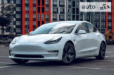 Седан Tesla Model 3 2018 в Киеве