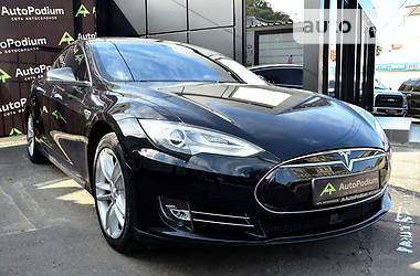 Tesla Model S 85D 2016 в Киеве