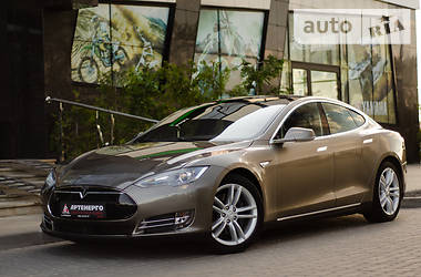 Tesla Model S 85D 2015 в Львове