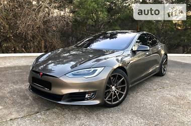 Tesla Model S P90D 2017 в Энергодаре