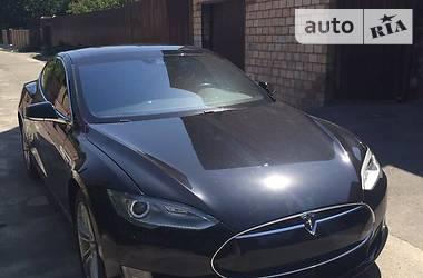 Tesla Model S 90 kW 2015