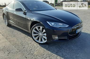 Tesla Model S 2013 в Городке