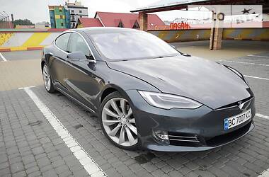 Tesla Model S 2015 в Львове