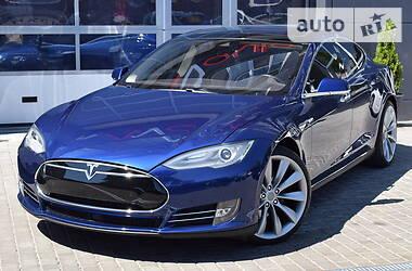 Седан Tesla Model S 2016 в Одессе