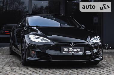 Ліфтбек Tesla Model S 2016 в Львові