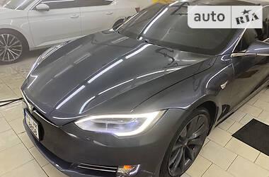 Седан Tesla Model S 2017 в Києві