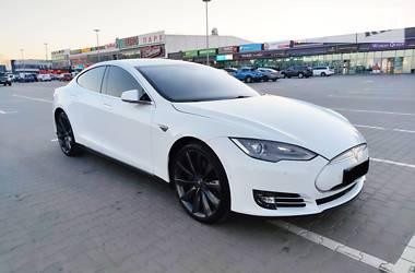 Ліфтбек Tesla Model S 2014 в Києві