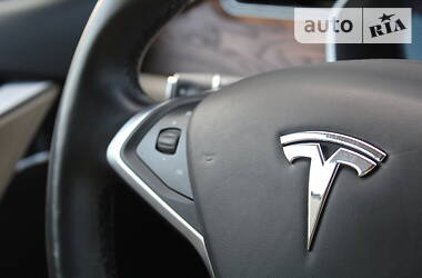 Ліфтбек Tesla Model S 2017 в Києві