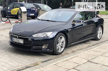 Хэтчбек Tesla Model S 2013 в Львове