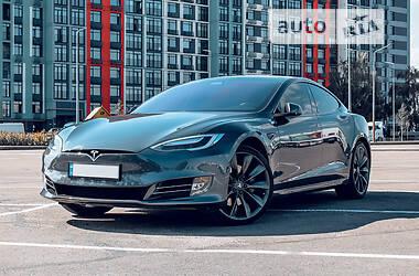 Лифтбек Tesla Model S 2017 в Киеве