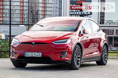 Хэтчбек Tesla Model X 2016 в Львове