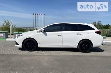 Toyota Auris 2015 в Ужгороде