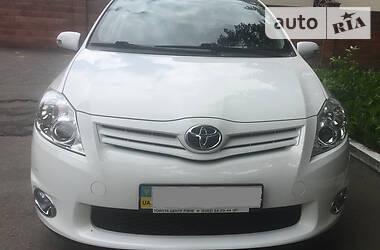 Хэтчбек Toyota Auris 2012 в Ровно