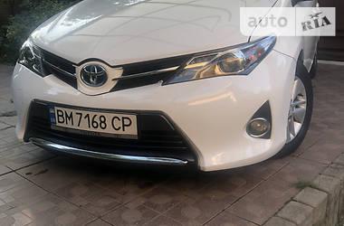 Хэтчбек Toyota Auris 2013 в Днепре