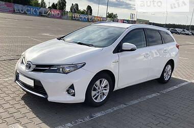 Универсал Toyota Auris 2013 в Киеве