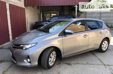 Хэтчбек Toyota Auris 2015 в Харькове