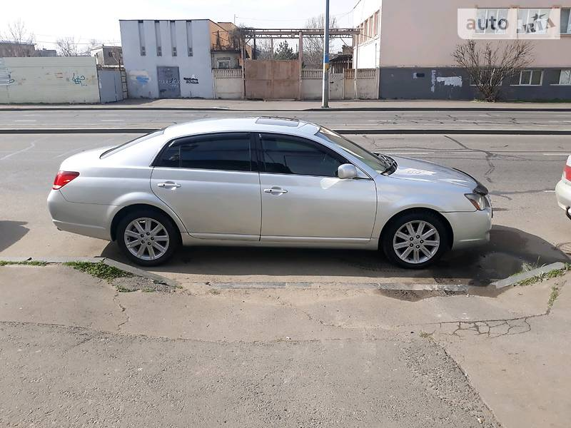 Седан Toyota Avalon 2006 в Одесі