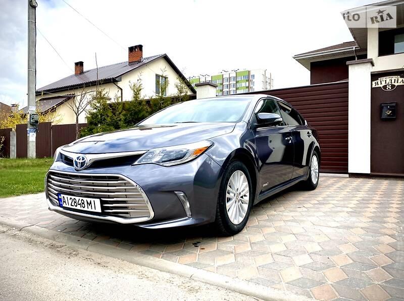 Седан Toyota Avalon 2013 в Киеве