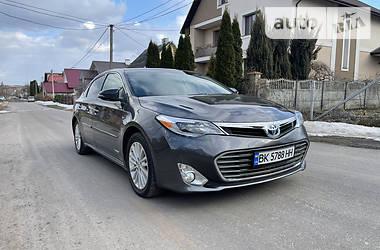 Седан Toyota Avalon 2015 в Ровно