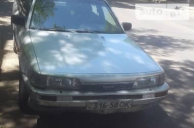 Toyota Camry  1989