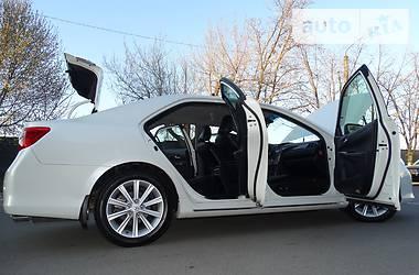 Toyota Camry V-6 3.5   2012
