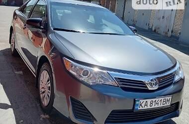Седан Toyota Camry 2013 в Києві