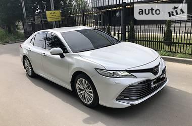 Седан Toyota Camry 2019 в Днепре