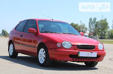 Toyota Corolla 1998 в Днепре