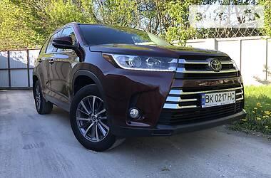 Toyota Highlander 2018 в Ровно