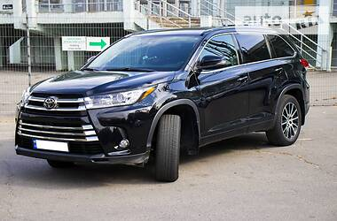 Универсал Toyota Highlander 2018 в Полтаве