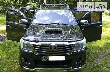 Toyota Hilux 2012 в Нововолынске