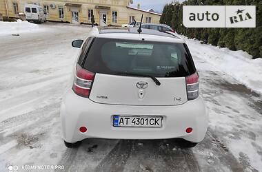 Купе Toyota IQ 2011 в Косові