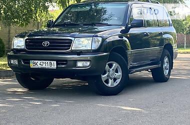 Внедорожник / Кроссовер Toyota Land Cruiser 100 2002 в Ровно