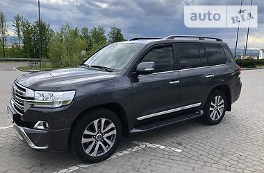 Toyota Land Cruiser 200 2017 в Львове