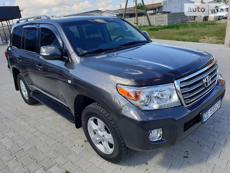 Toyota Land Cruiser 200 2011 в Черновцах