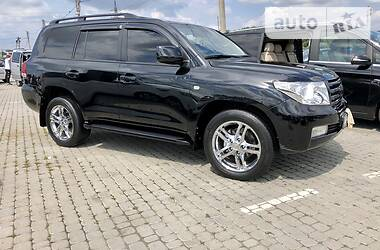 Toyota Land Cruiser 200 2008 в Черновцах