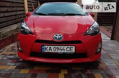Хэтчбек Toyota Prius C 2014 в Киеве