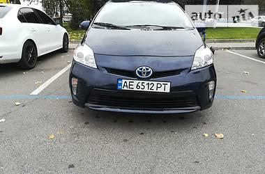 Лифтбек Toyota Prius 2014 в Днепре