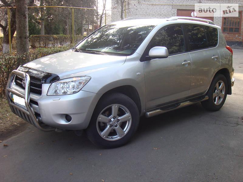 Toyota RAV4 2006 року
